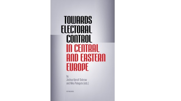 Towards Electoral Control Front Cover